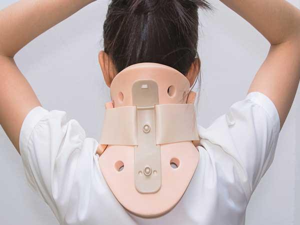 تجهیزات آمبولانس - یقه گردنی