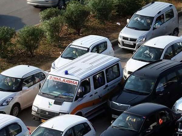 انتقال با آمبولانس هوایی - خطر ازدحام جاده و ترافیک را از بین میبرد